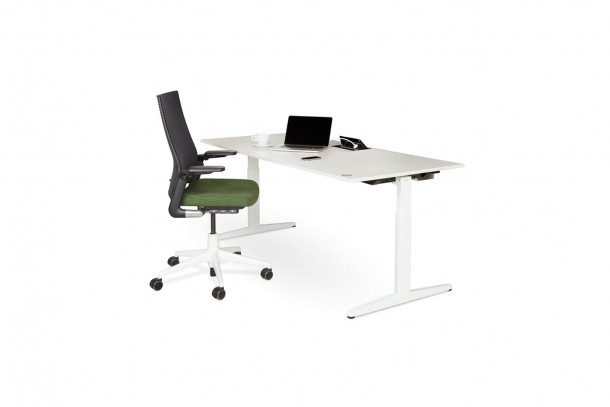 bim-ahrend_furniture-balanace_solo_desk-bimbox